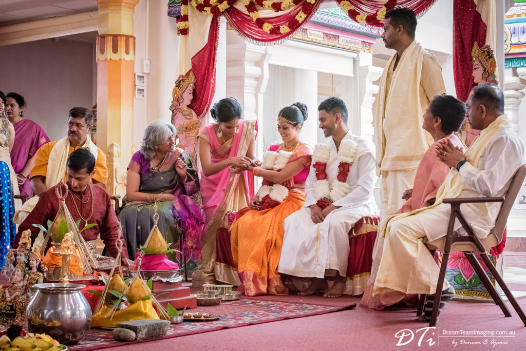 stirling hindu singles Find your muslim life partner  muslima has helped thousands of muslim singles find their match.